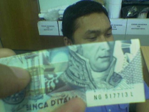 _wp-content_uploads_2009_05_funny-money-face-2
